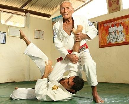 Gracie Jiu Jitsu.jpg