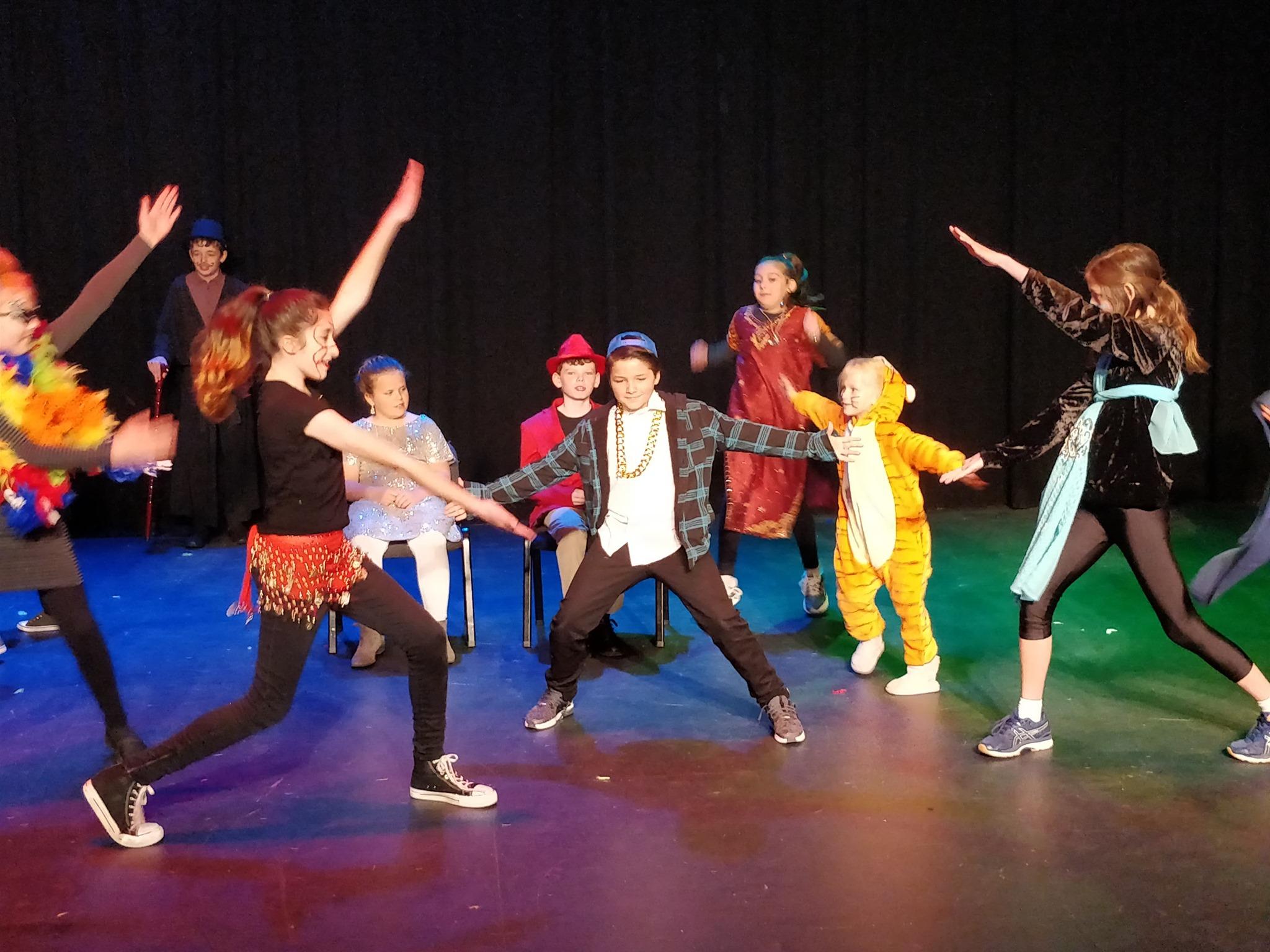 aladdin budding theatre kids drama canberra.jpg