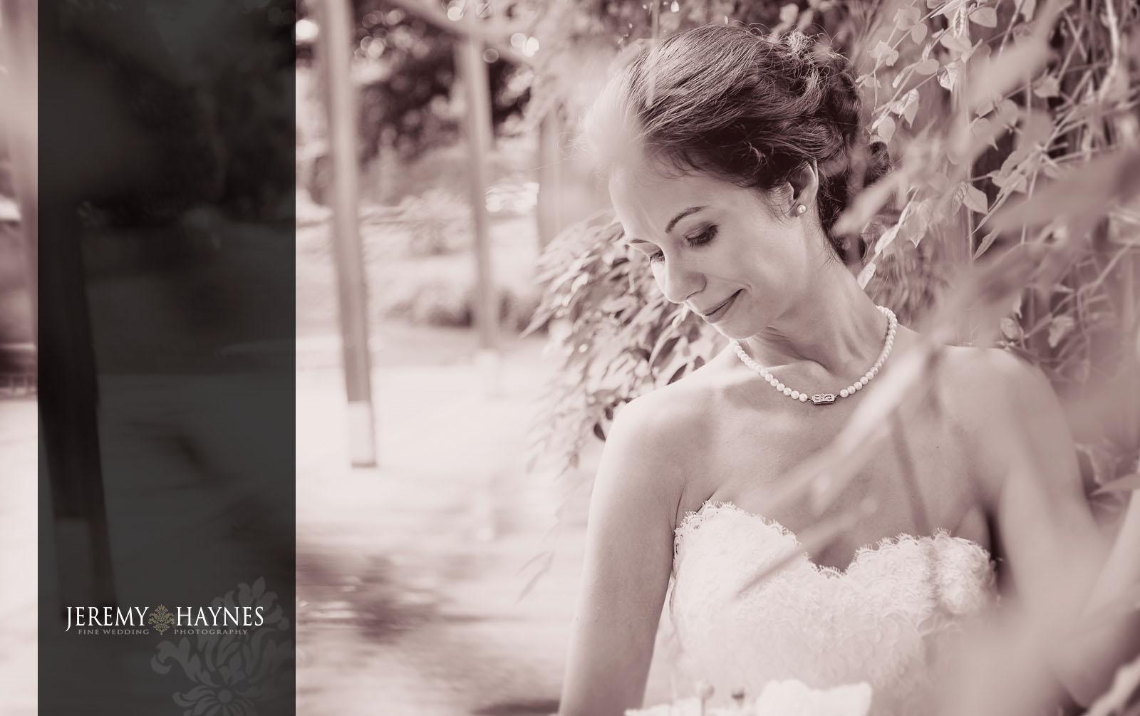 13 Indianapolis Art Center Indianapolis, IN Vintage Bridal Wedding Outside Photos.jpg