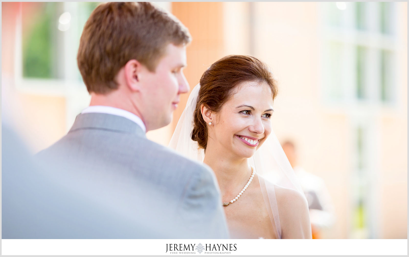 24 Indianapolis Art Center Indianapolis, IN Wedding Couple Ceremony Pictures.jpg