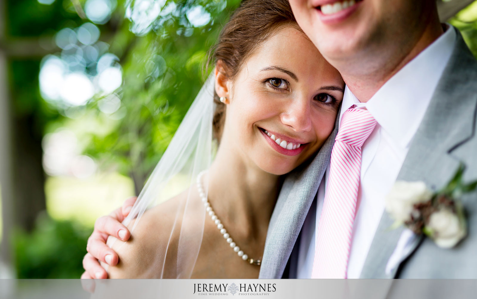 32 Indianapolis Art Center Indianapolis, IN Beautiful Wedding Bridal Couple Pictures.jpg