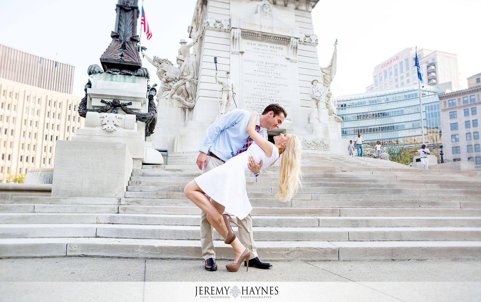 08-romantic-monument-circle-downtown-indianapolis-engagement-photos.jpg