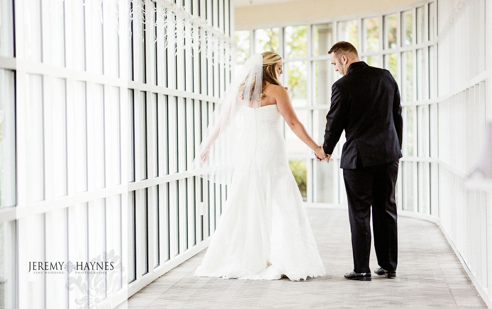 08-community-life-center-indianapolis-wedding-photographers-candid-bridal-couple-pictures.jpg