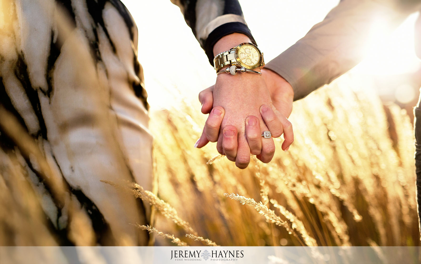 04-romantic-downtown-indiana-central-canal-indianapolis-engagement-photo-ideas.jpg