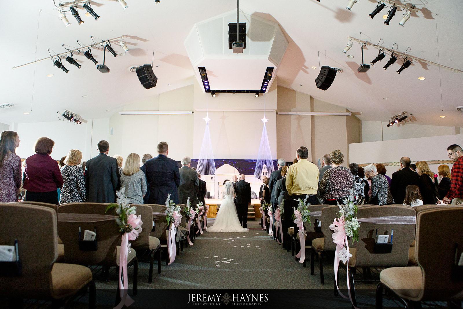 04-emmanuel-community-church-fort-wayne-wedding-photography-ideas.jpg