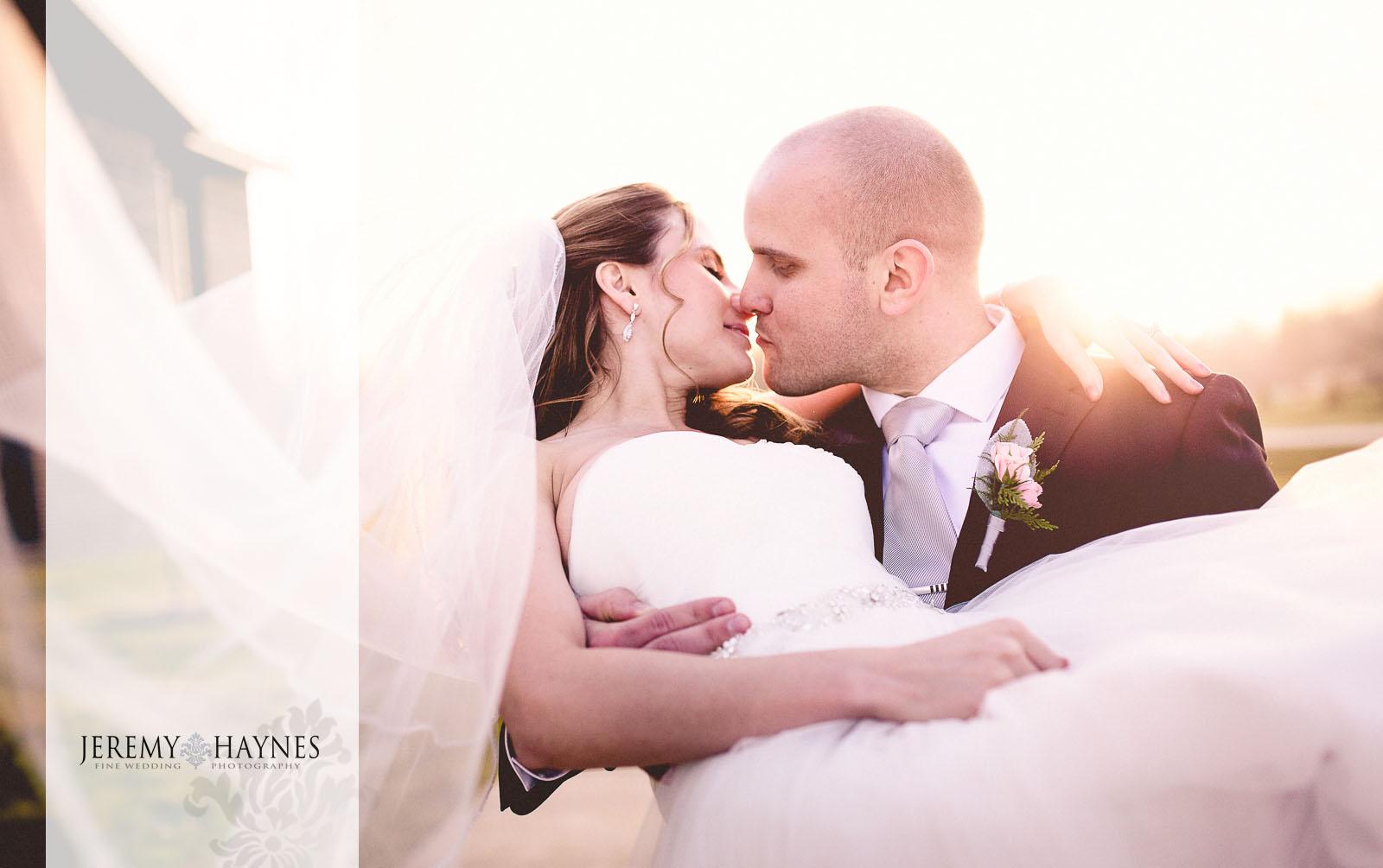 19-emmanuel-community-church-fort-wayne-wedding-photography-ideas.jpg