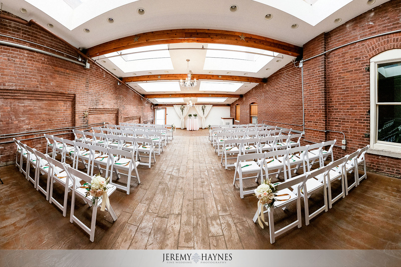 14-mill-top-banquet-conference-center-noblesville-wedding-photography.jpg