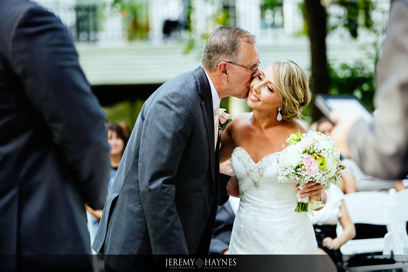 11-the-mansion-at-oak-hill-carmel-indianapolis-wedding-creative-natural-photographer.jpg