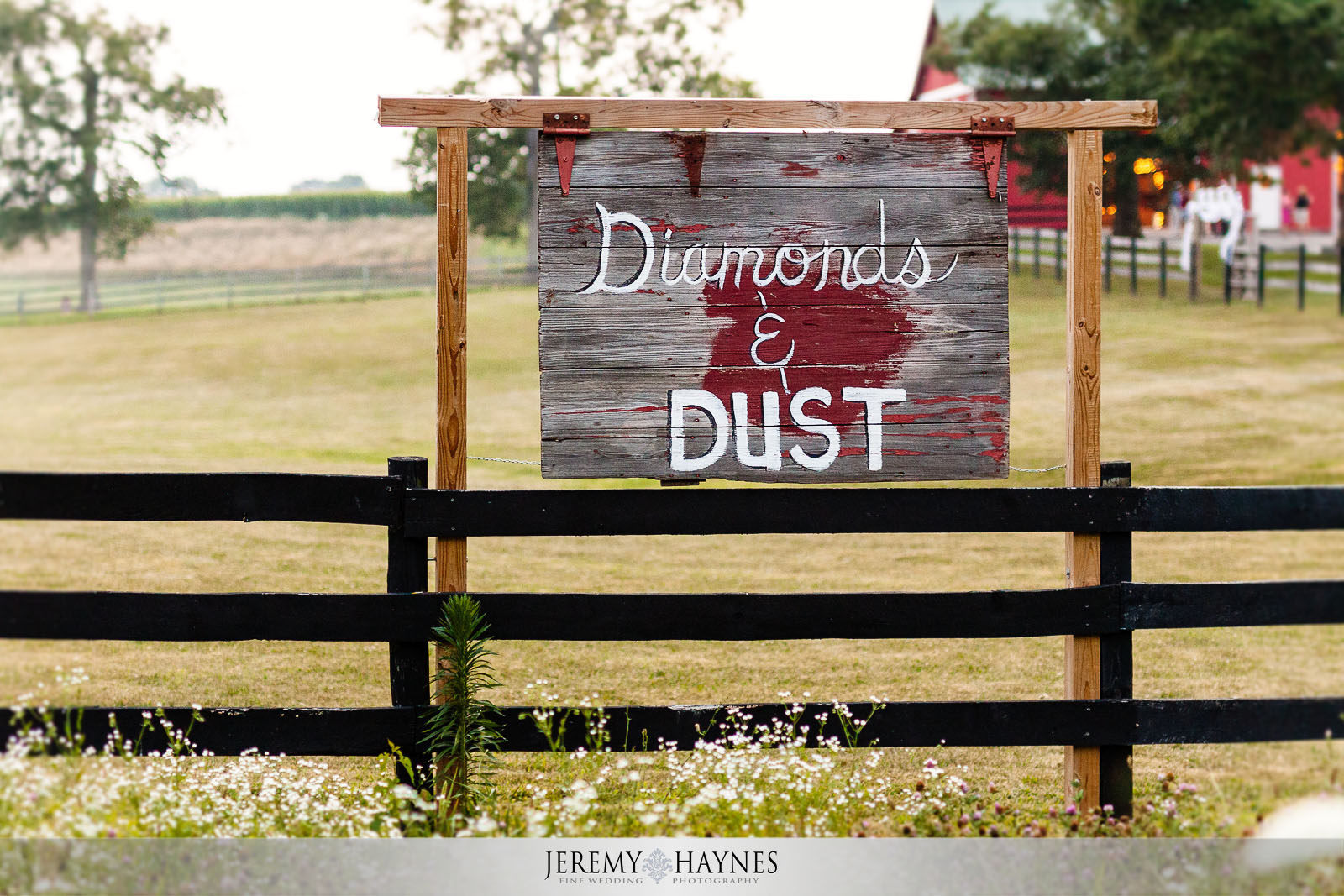 001-diamonds-and-dust-venue-logansport-wedding-photography.jpg