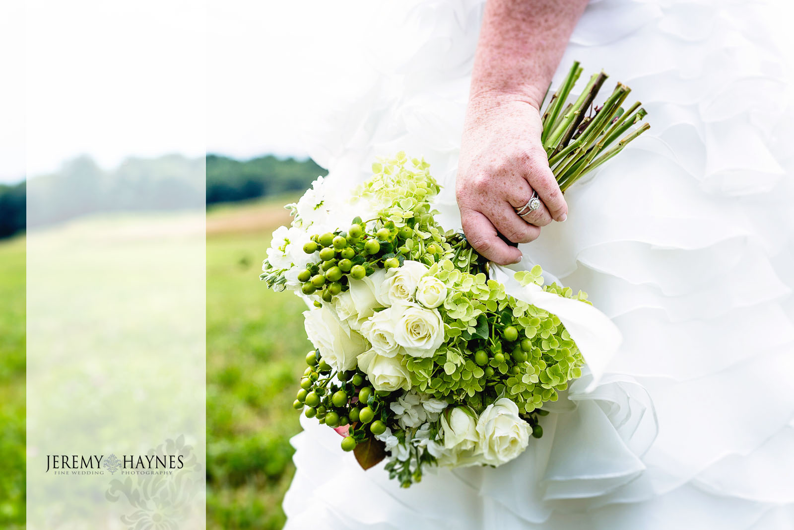 12-diamonds-and-dust-venue-logansport-wedding-photography-bride-photos.jpg