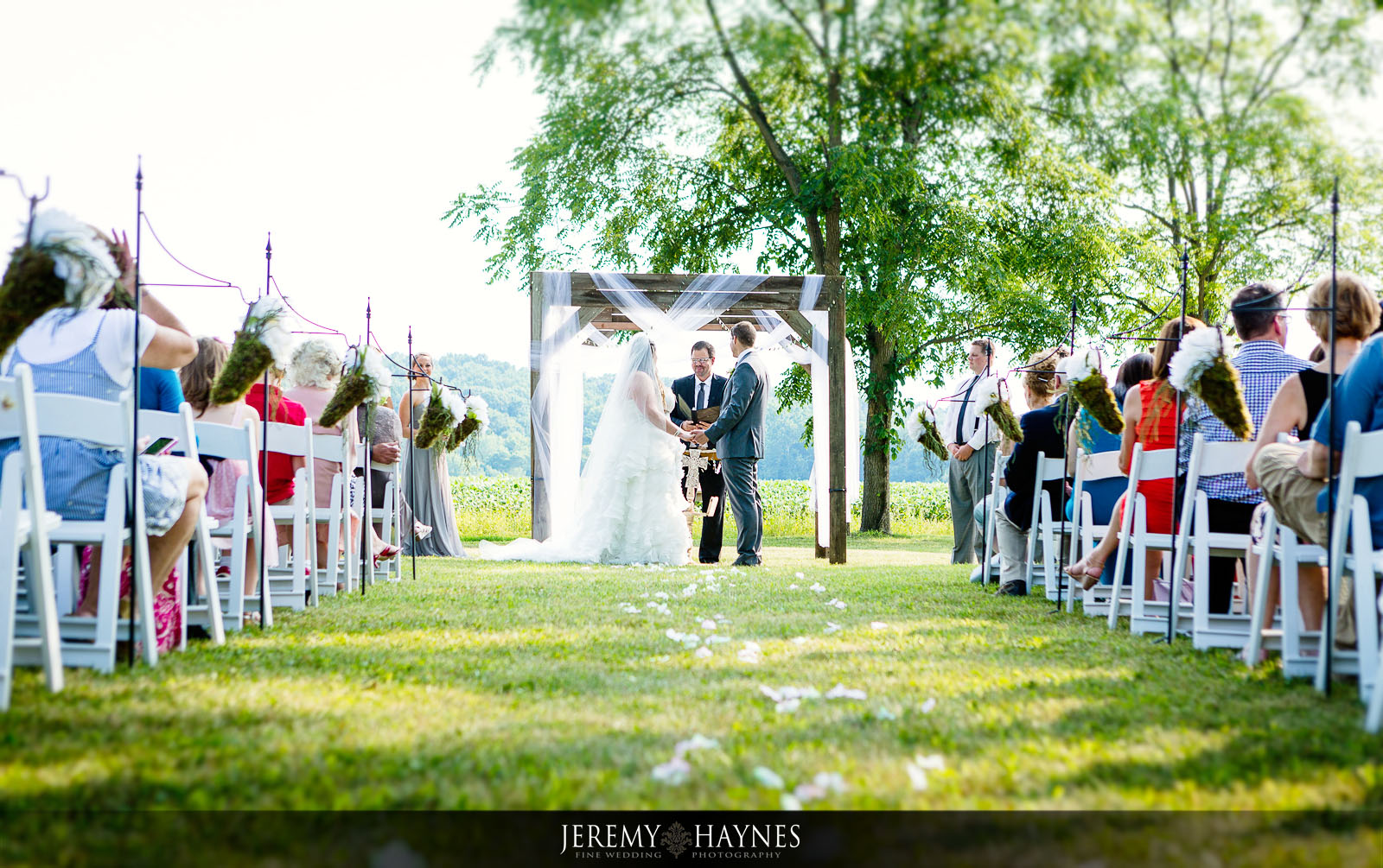 21-diamonds-and-dust-venue-logansport-wedding-photography-ceremony-photos.jpg