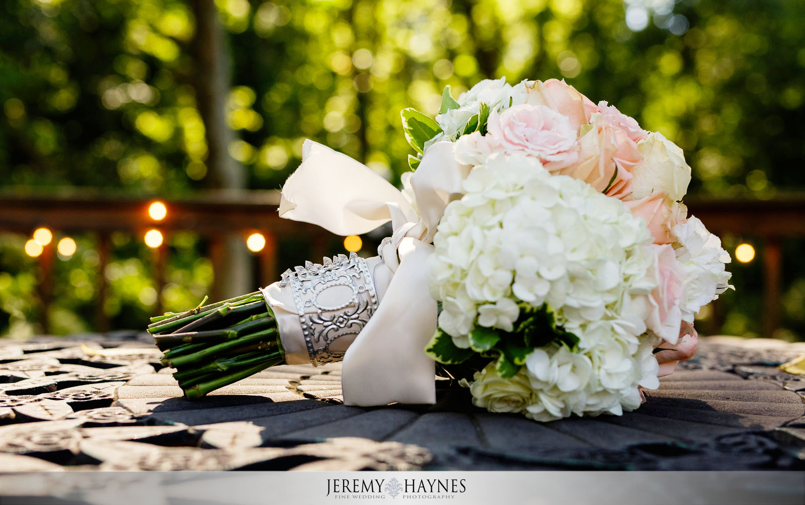 gorgeous-wedding-flowers-avon-gardens-indianapolis-jeremy-haynes-photography.jpg