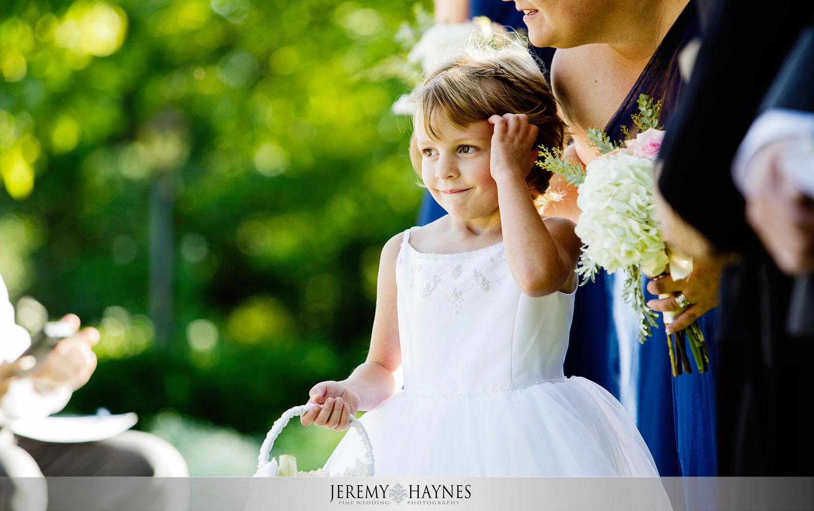 natural-indianapolis-wedding-photographers-avon-gardens.jpg
