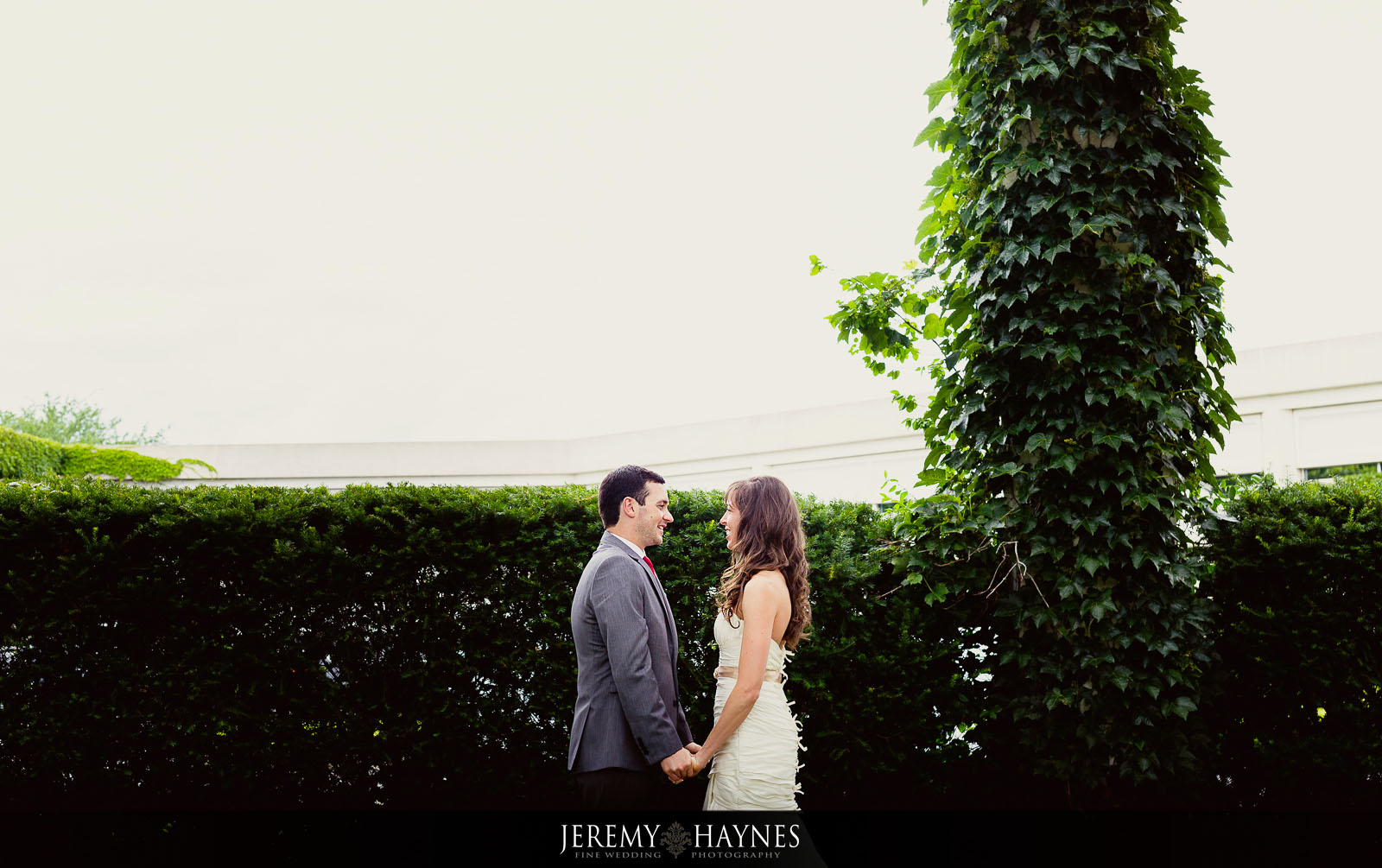 romantic-columbus-wedding-first-look-jeremy-haynes-photography-the-commons.jpg