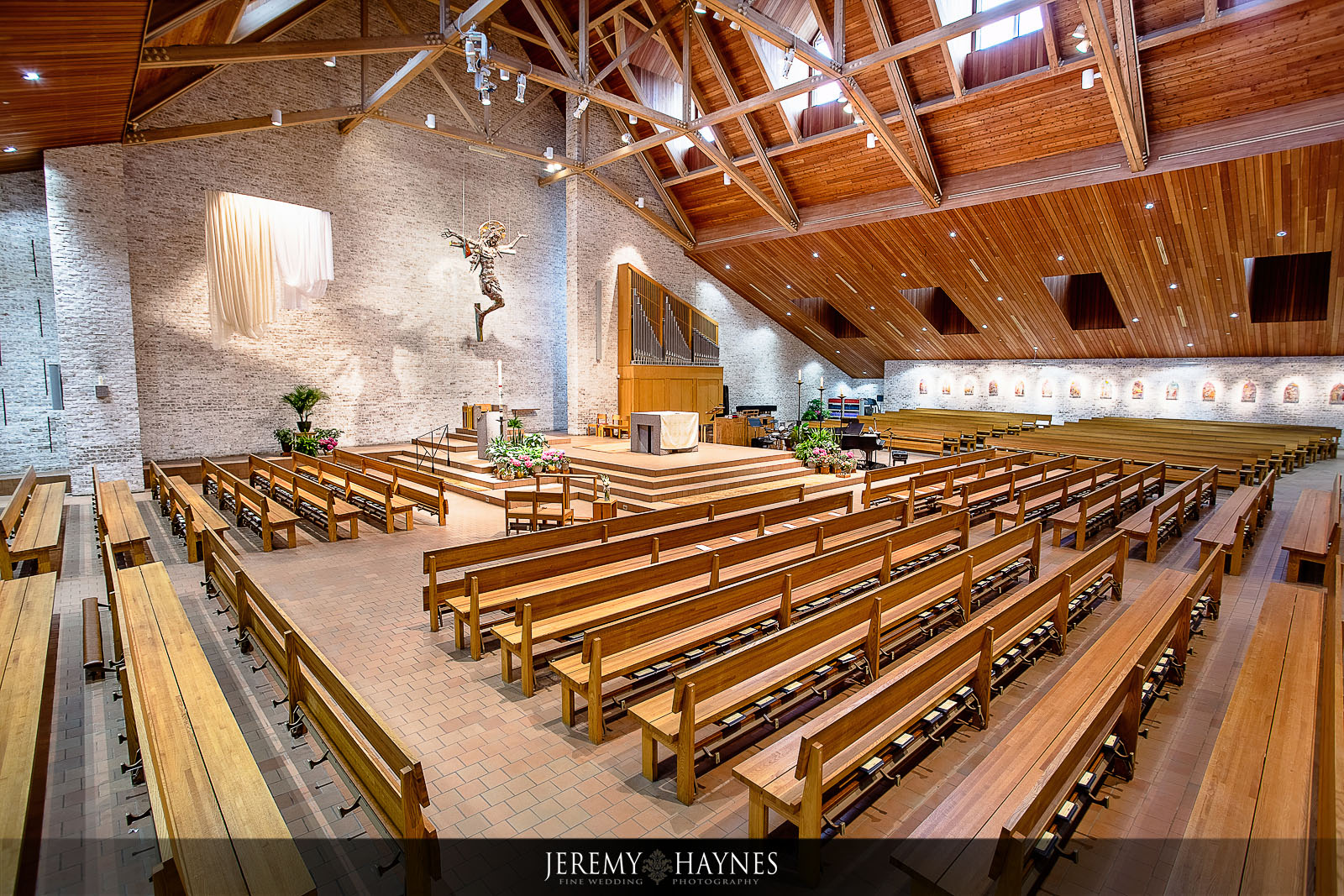 beautiful-st-elizabeth-ann-seton-catholic-church-indianapolis-wedding-jeremy-haynes-photography.jpg
