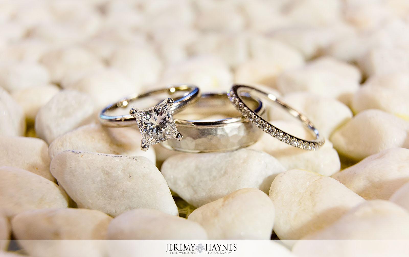 artistic-wedding-rings-photos-carmel