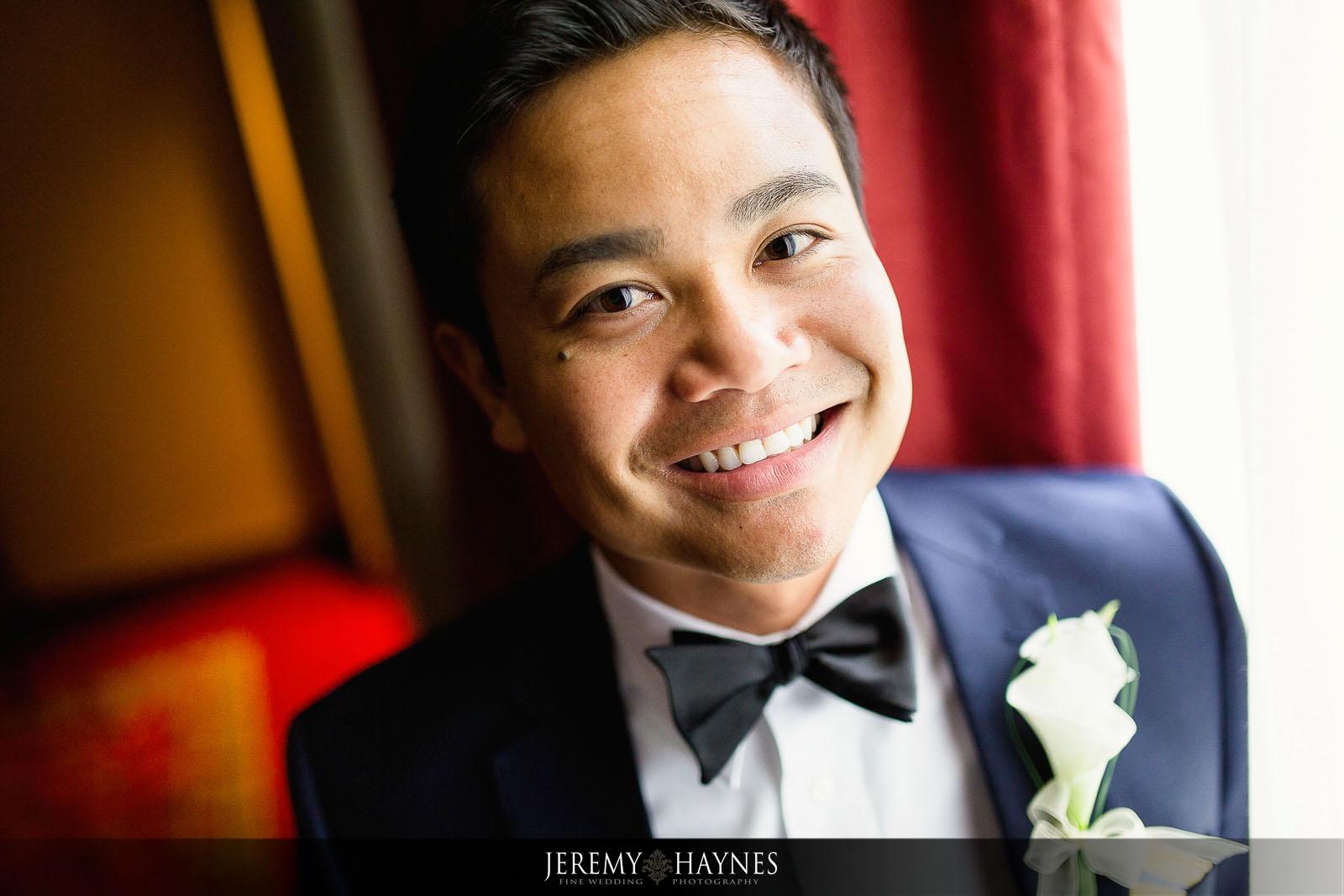 colorful-groom-getting-ready-photos-renaissance-hotel-carmel