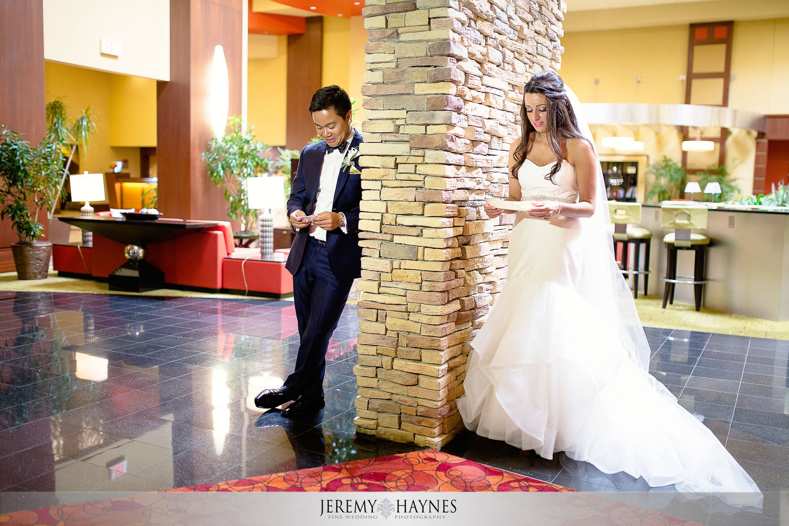 renaissance-hotel-wedding-day-letters