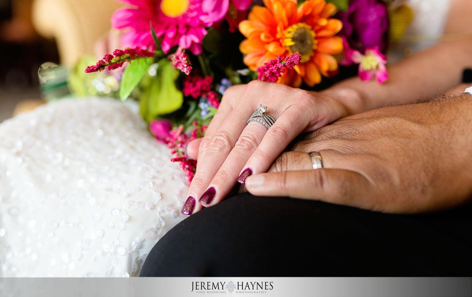 sweet-indianapolis-columbia-circle-wedding-photos