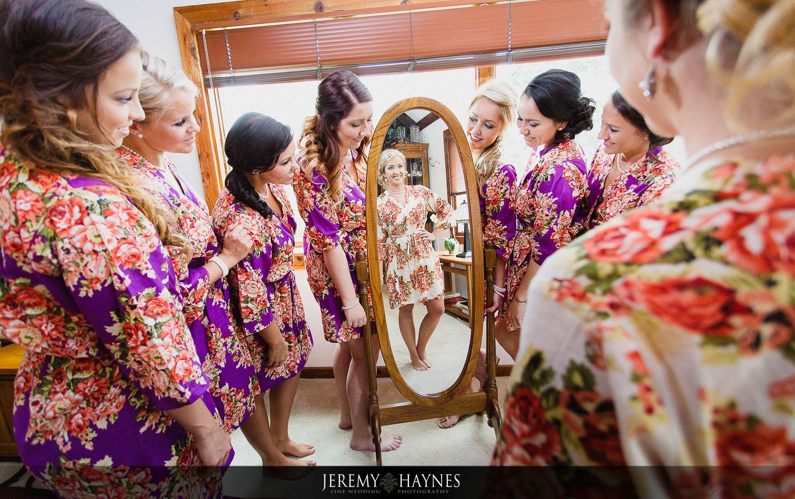 new-castle-wedding-bridesmaids