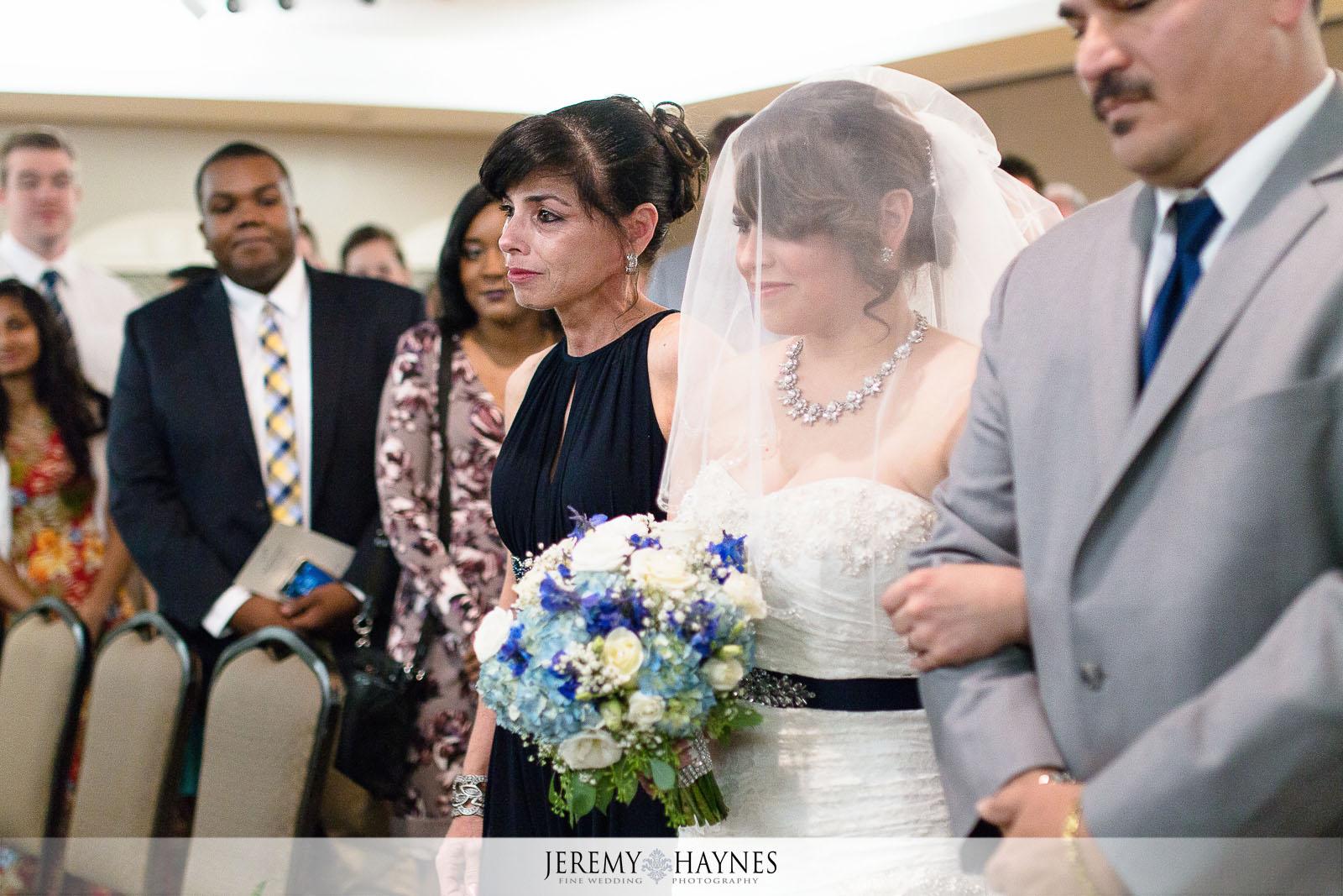 willows-westfield-event-center-indianapolis-bride-wedding-photos