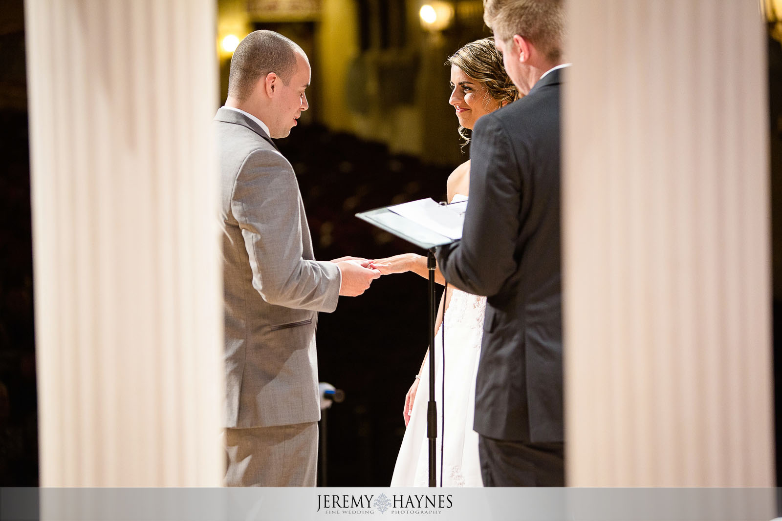 creative-wedding-photos-paramount-theatre