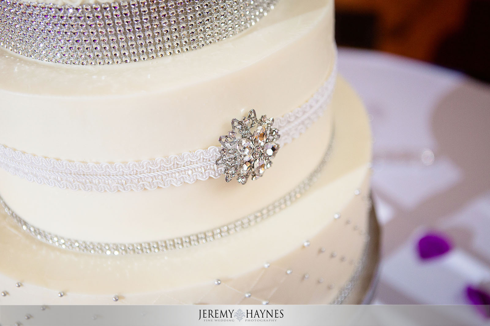 beautiful-cake-wedding-photo