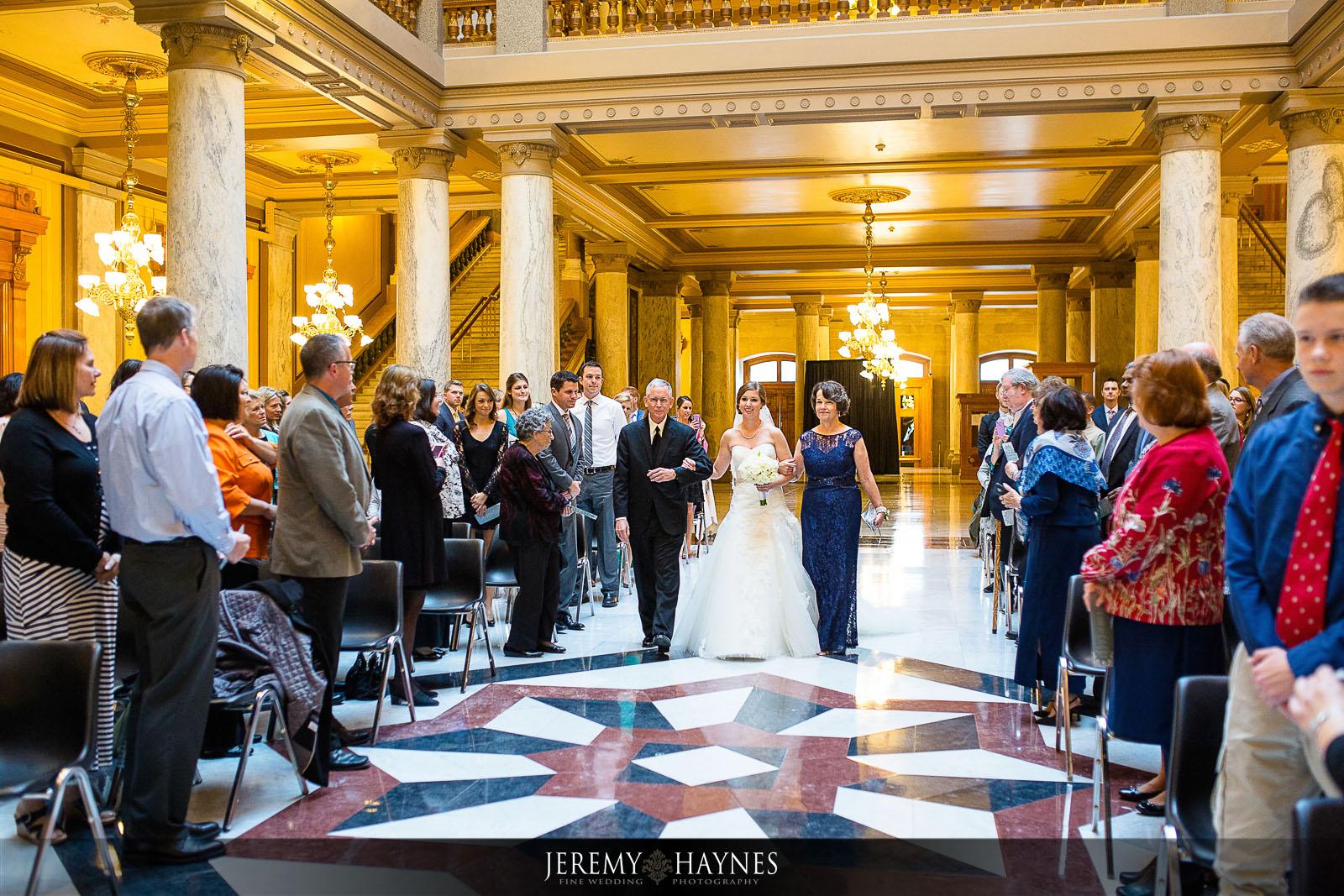 indiana-statehouse-wedding-ceremony