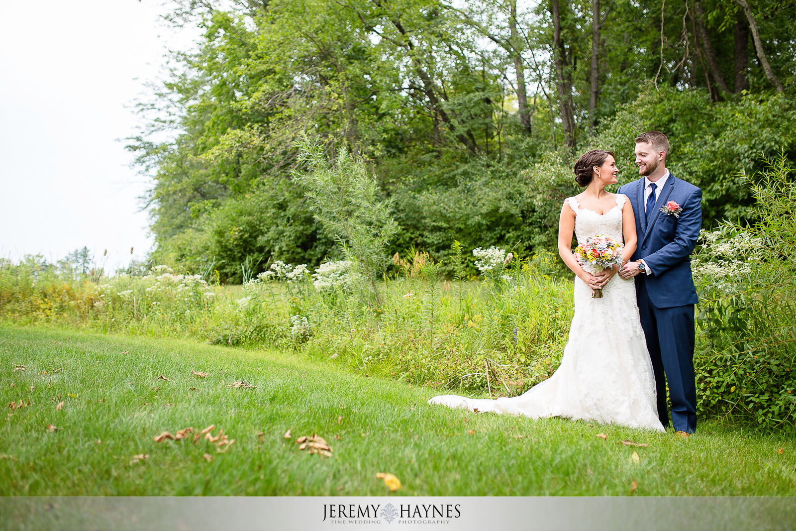 cute-brownsburg-wedding-couple