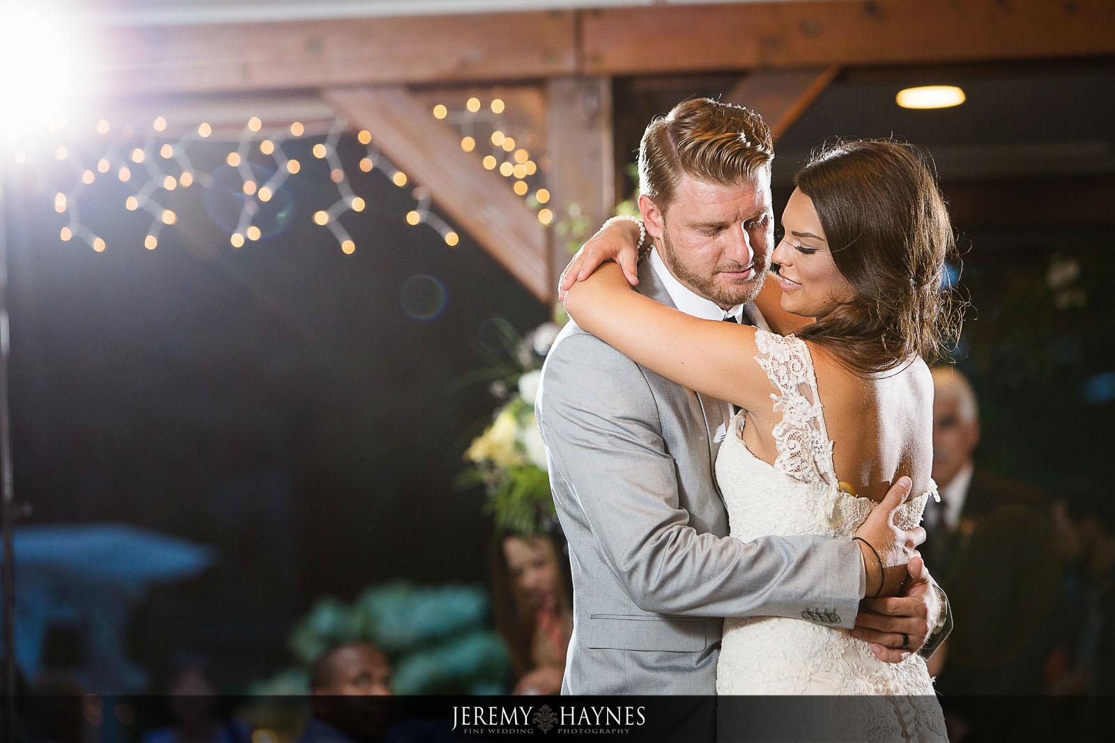 wedding-dances-at-avon-gardens