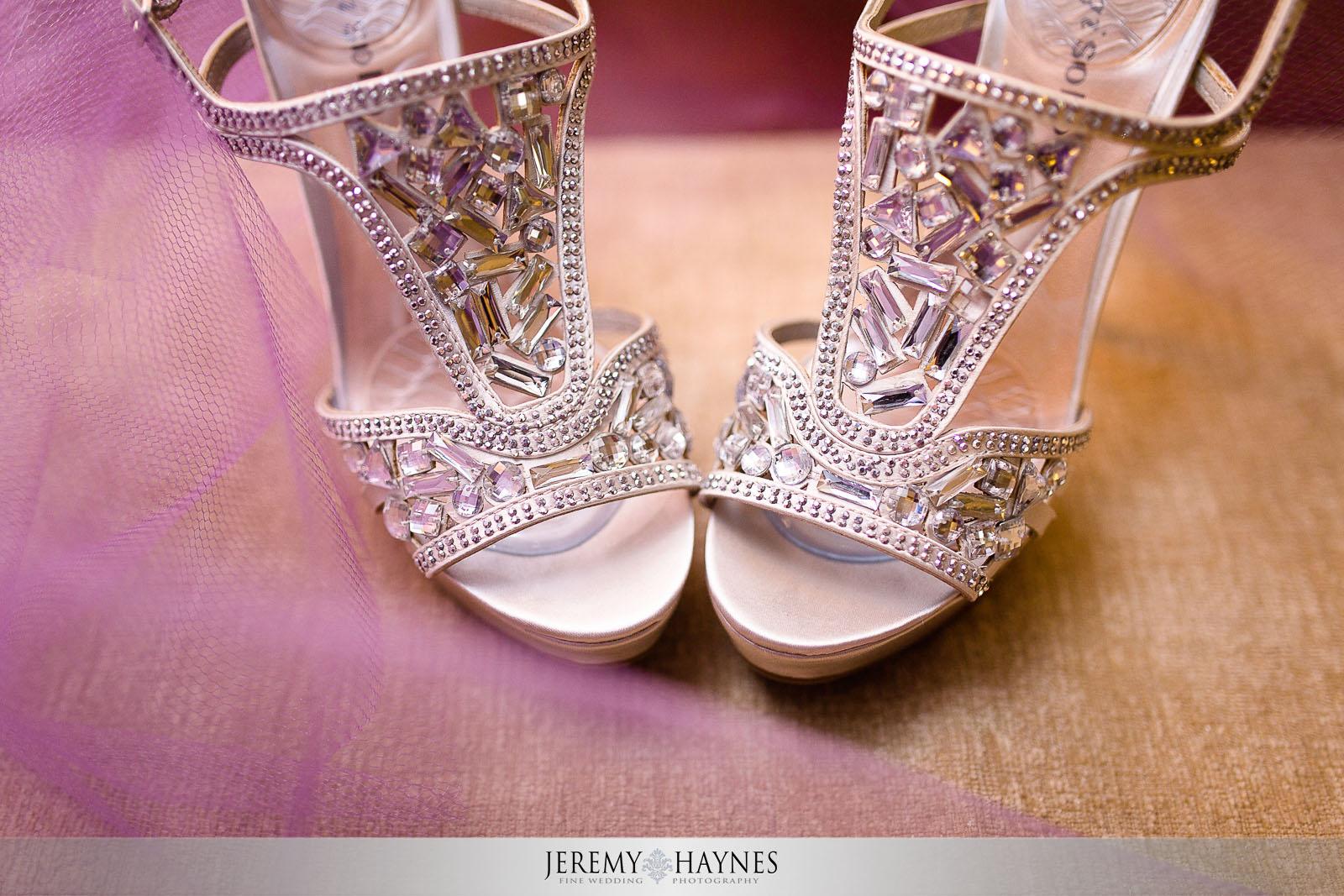 avon-wedding-details-bride-shoes