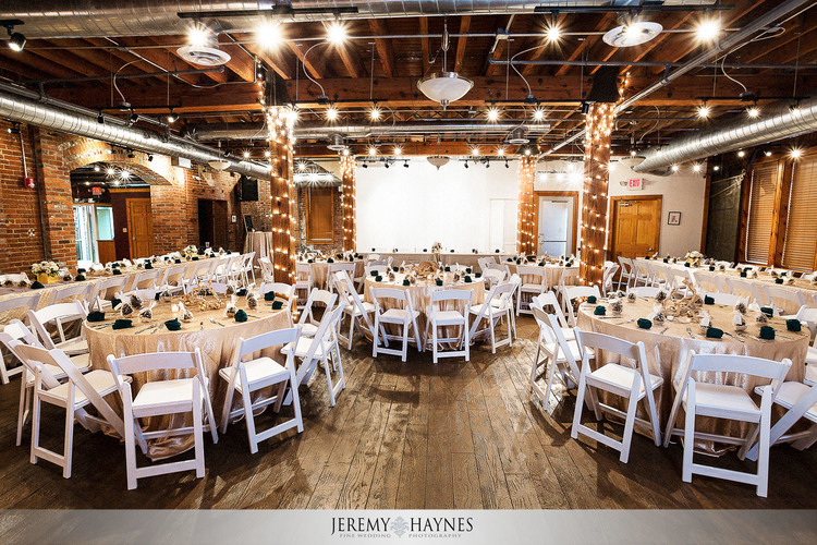 37-Community-Life-Center-Indianapolis-Wedding-Photography.jpg