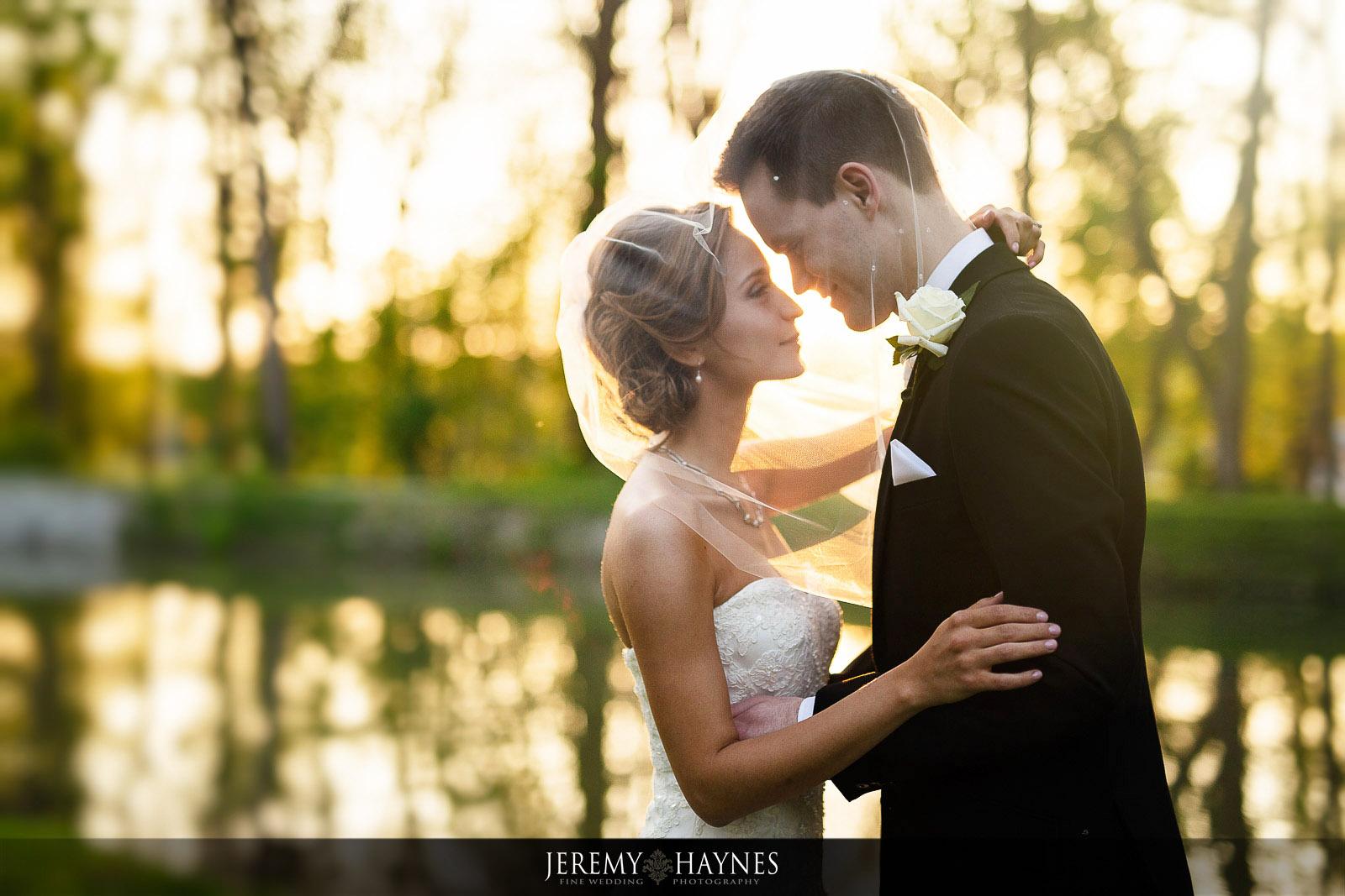 beautiful-sunset-wedding-pictures.jpg