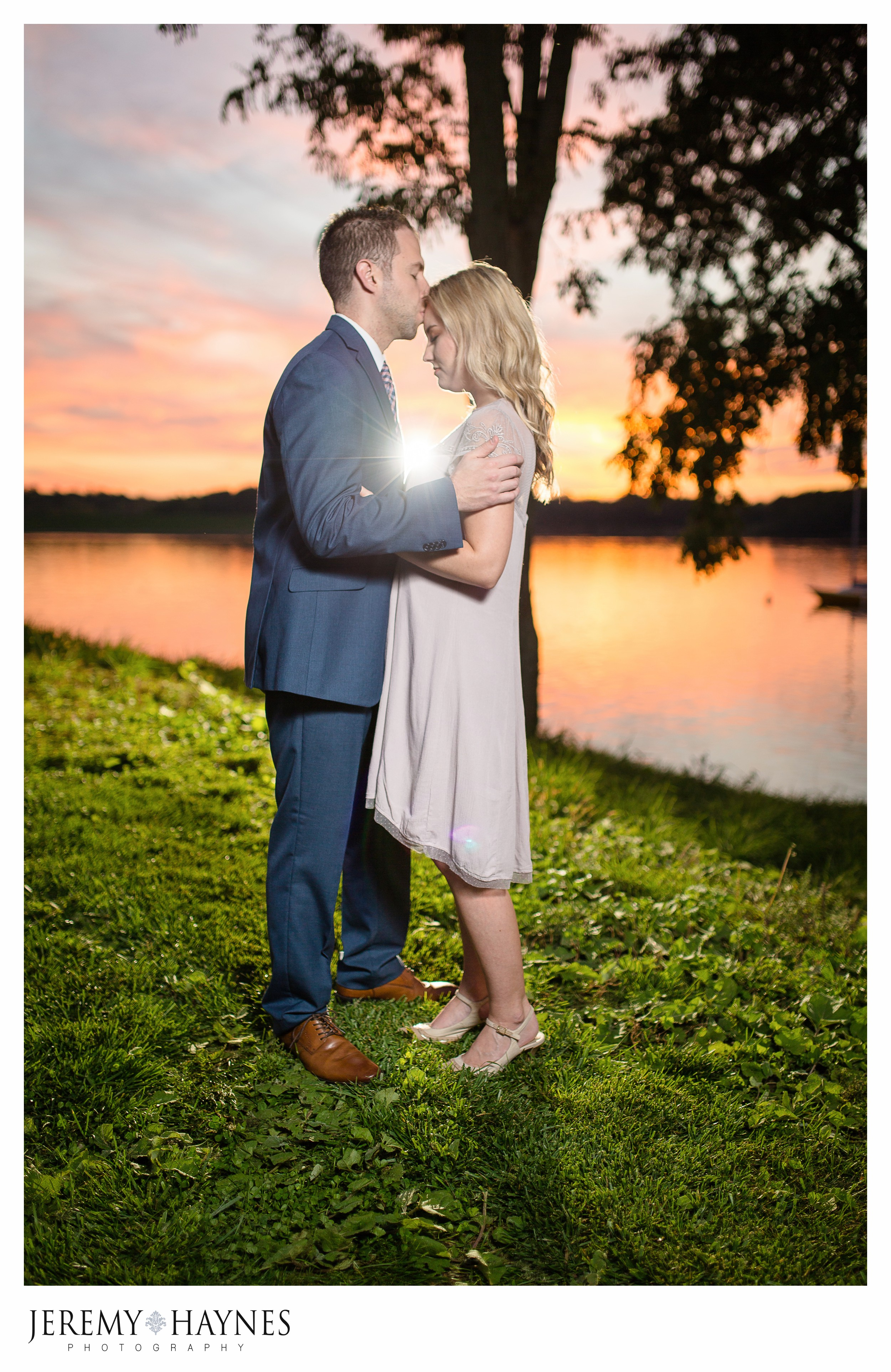 magical-indianapolis-engagement-pictures.jpg