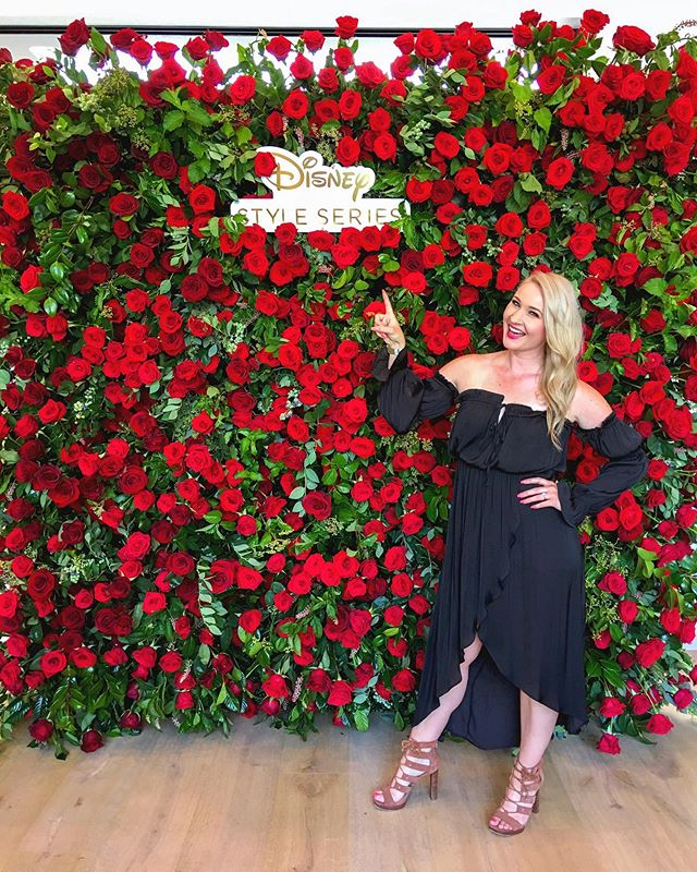 You know I love a good flower wall, ESPECIALLY when it's celebrating @Disney Princesses! 🌹 Yesterday I got to attend the #DisneyPrincessParty celebrating the brand new Disney Princess Dolls by @Hasbro! Thank you @DisneyPrincessStyle for inviting me and for letting me be a part of this super cute super, super special event! (p.s. The flower wall was made of real red roses 🙌🏼) #DisneyLife #PrincessParty