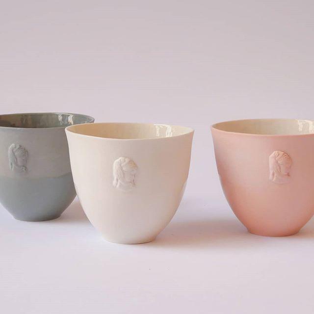 #porcelain #ceramic #keramik  #coffecup #teacup #bowl #handmade #bowl #design #pottery #potterystudio #gems #intaglio #handwork #relief #artandcraft #porcelaingallery #