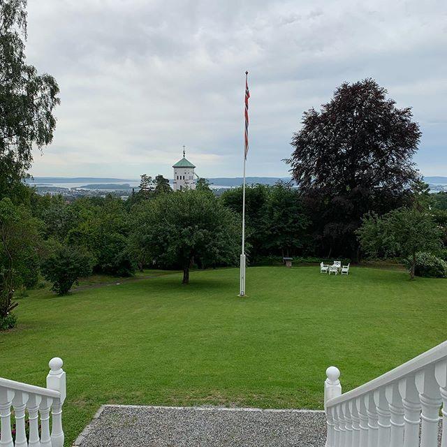 En fantastisk dag for bryllup❤️ Vakre Bryllup sitt 1. for sesongen på vakreste Villa Eckbo i Oslo 🙌🏻 #weddingsbyvakrebryllup #vakrebryllup #oslobryllup