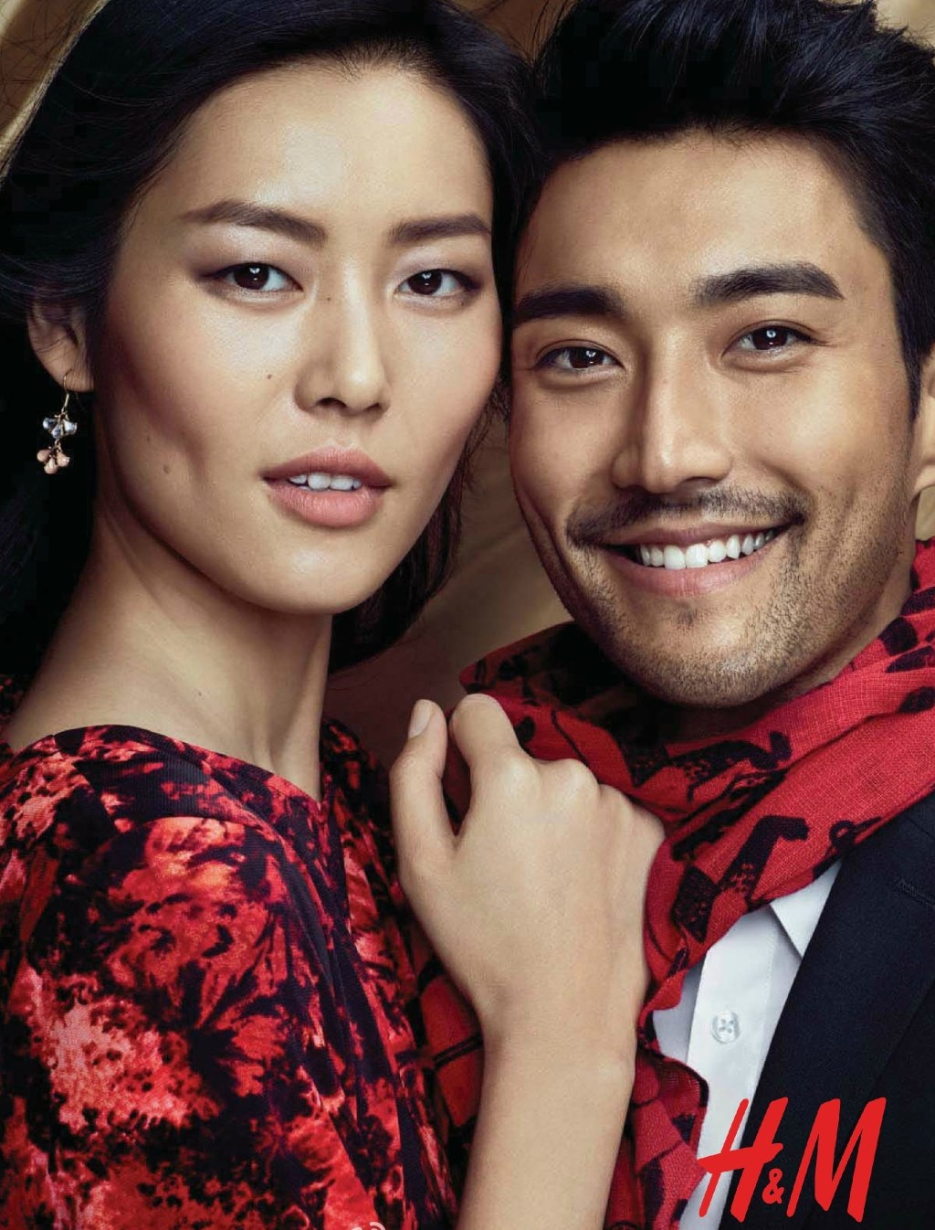 H&M   Project Name:  Chinese New Year Campaign   Casting:  Liu Wen, Si Won Kim   Creative Director:  Alan Castro   Photographer:  Peter Gehrke   Asst. Photographer:  Nigel Perry, Marcus Askelof   Korea Asst.Photographer:  Tae Soo Lee   Stylist:  Lisa Lindquister   Asst.Stylist:  Henrika Bonn   Korea Asst.Stylist:  Jong Sim Kim   Seamstress:  O-Jihyun, Kim Hee Jeong   Set Dresser:  Yoo-ri Moon (Yoolja's Spring)   BTS:  Hwang Sang Jun   Project Manager:  Anna Wallen   Executive Producer : Kimmy MK Kim   Production Coordinator:  Esther Kim   Location:  Seoul, Korea   Production Service:  KNT Production