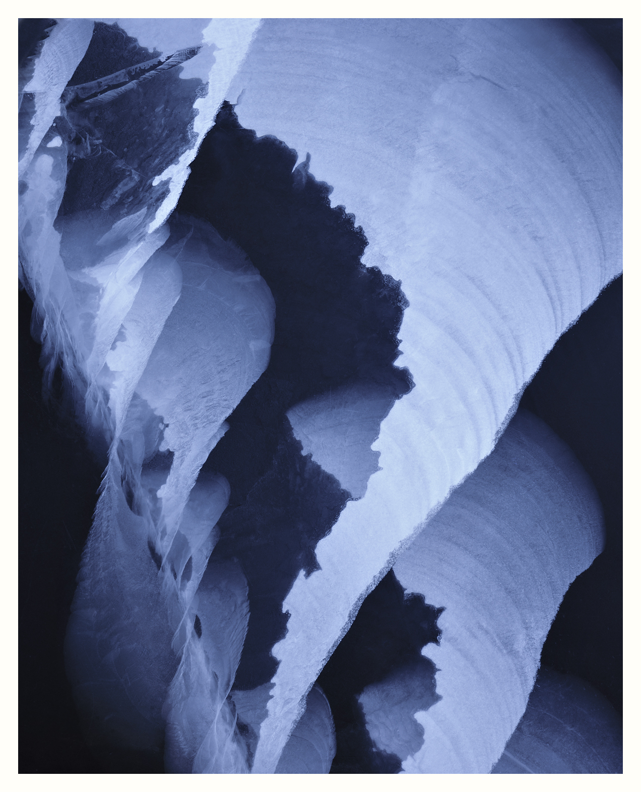 Spiral Ice Fracture