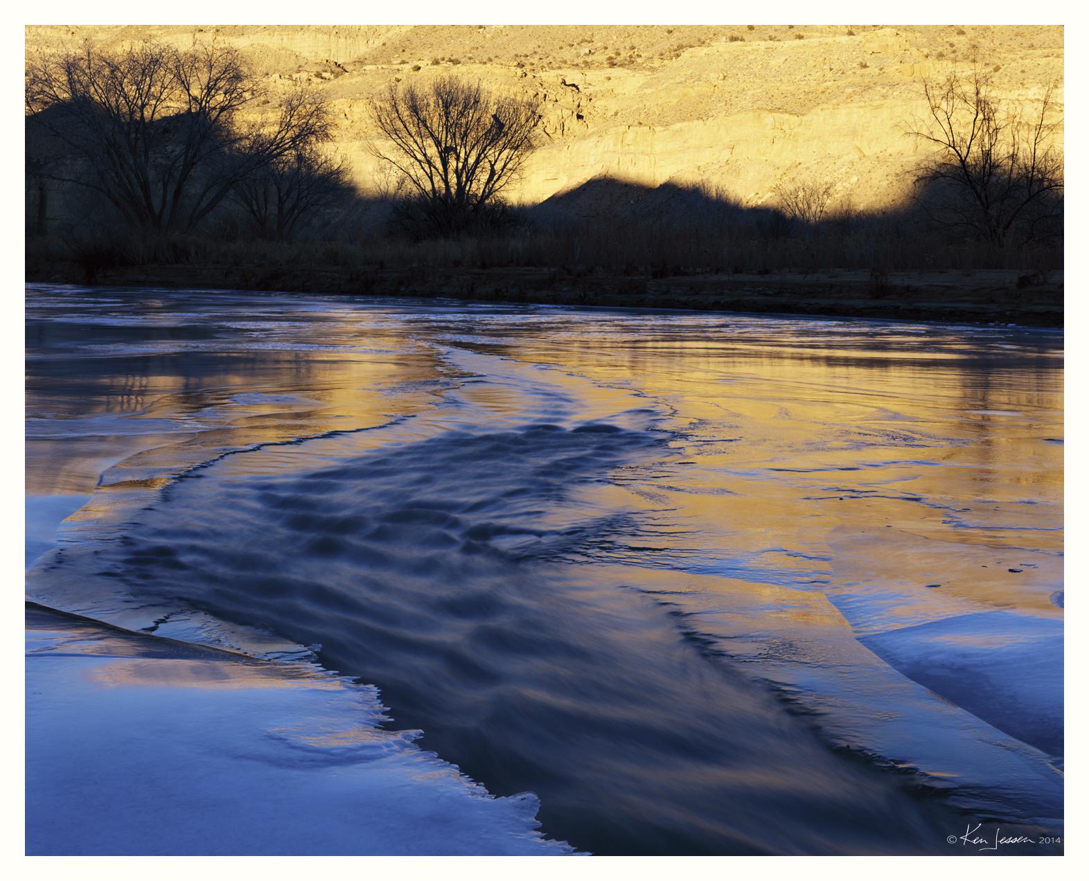 7317-37288-10 Frozen River Gold Light.jpg