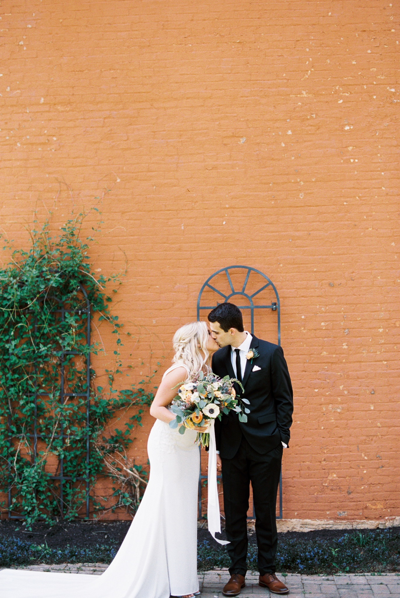 Dayton_CIncinnati_Film_Wedding_Portrait_Photographer-26.jpg