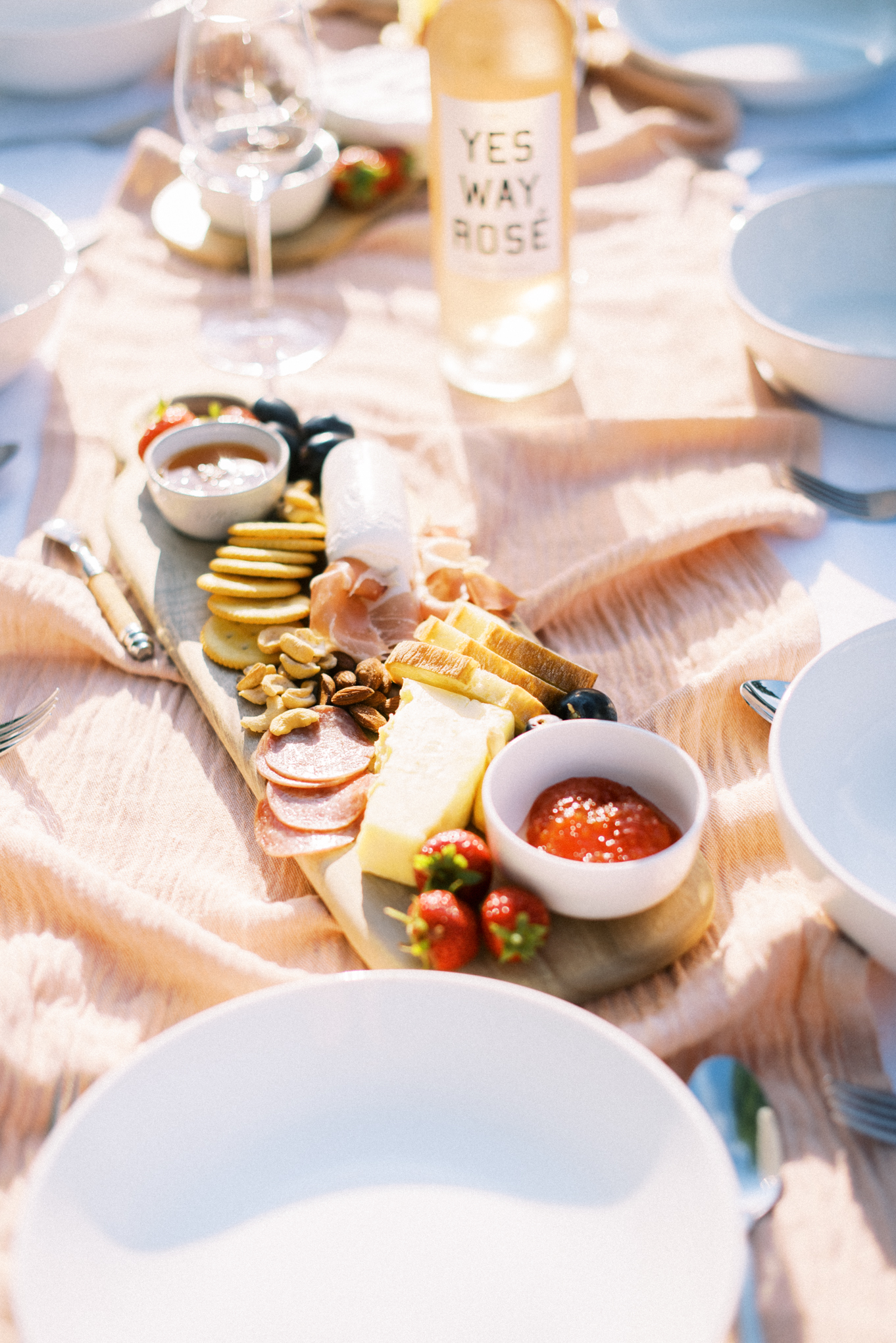 Backyard_Summer_Dinner_Party_Tonya_Espy_Photography-1.jpg