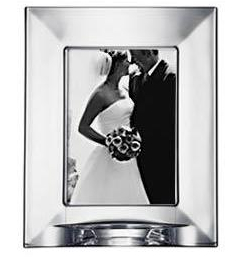 Focus_Photo_frame bride and groom