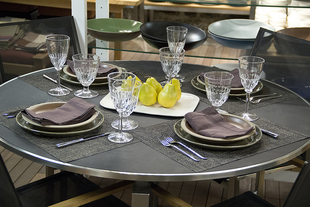 Weekly Table Setting: Pears and Figs