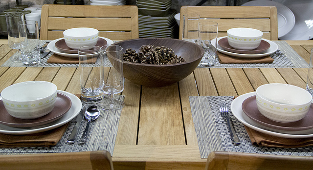 Weekly Table Setting: Pinecones