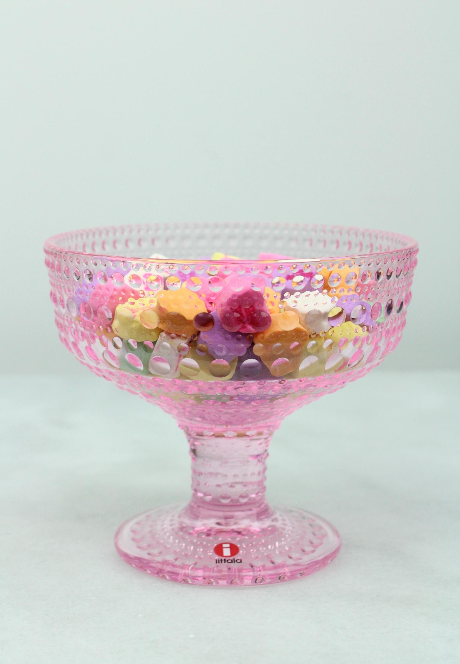 iittala Kastehelmi Dewdrop Footed Bowl in Pale Pink