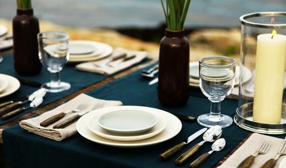 Heath Table setting