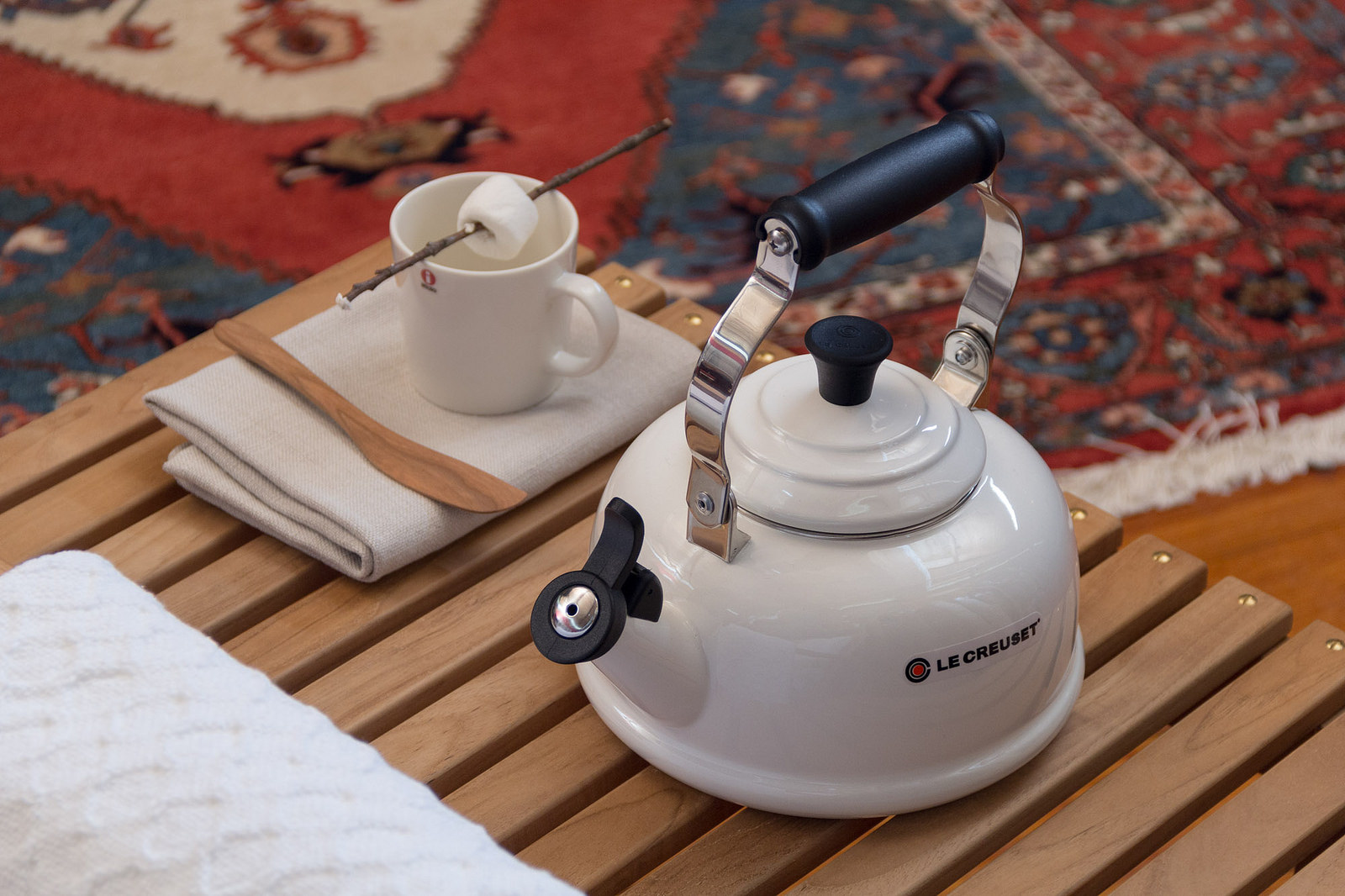 Le Creuset Whistling kettle ,  iittala Teema  Mug,  Jonathan's spoons wooden spreader
