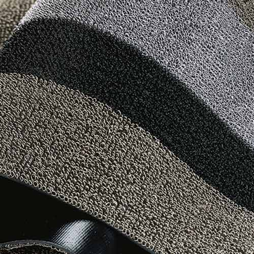 Chilewich 2' x 3'mat in Silver/Black