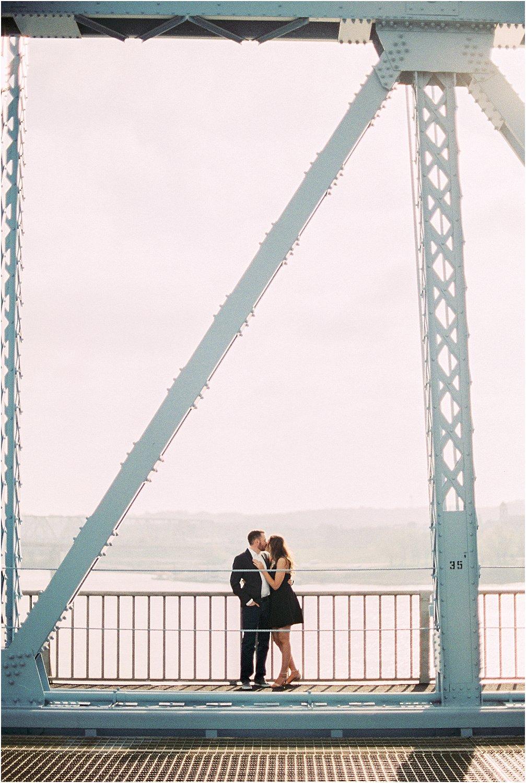 Cincinnati Roebling Bridge Engagement | Amber & Nathan | Wedding Photographer